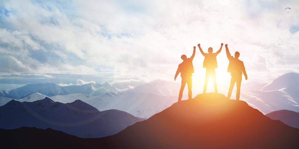 身近な5人の平均が自分を作るなら、目指すべき人を1人いれればいい